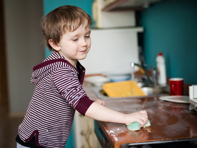 kids-helping-clean-the-house