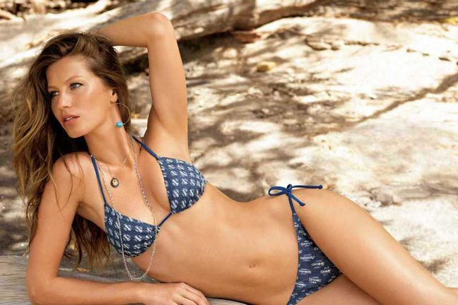 Gisele Bundchen, Calzedonia swimwear, blue bikini, earrings, necklaces
