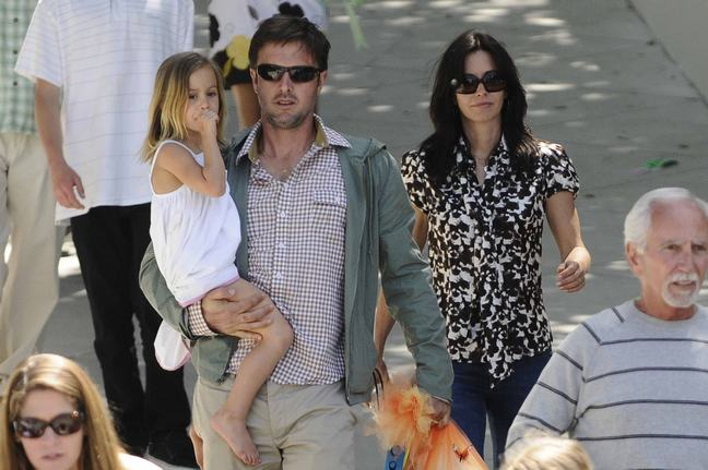 Courteney Cox, David Arquette, sunglasses, black and white print blouse, jeans, coco