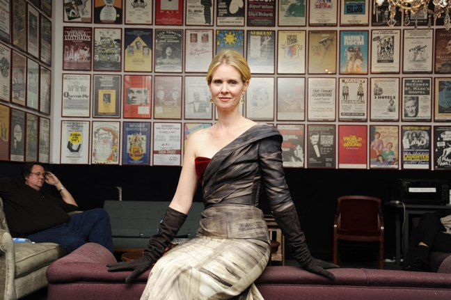 Cynthia Nixon, gown, earrings, gloves