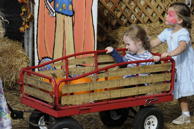 Eden and Savannah Mahoney, wagon, pumpkin farm