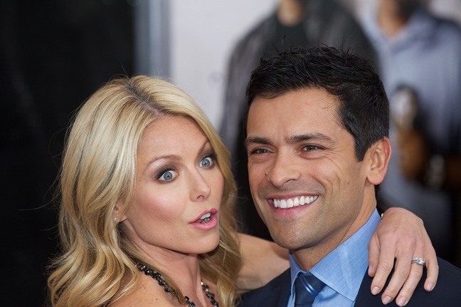 Kelly Ripa, red carpet, Mark Consuelos