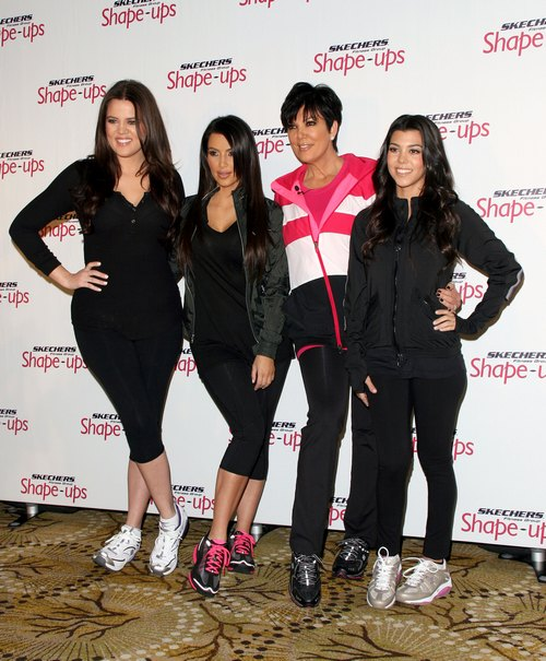 Kourtney Kardashian, black track suit, skechers shoes