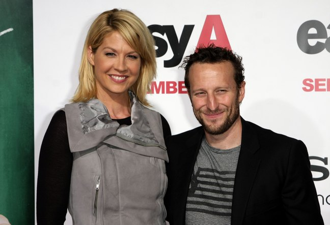Jenna Elfman with husband, gray top, black t-shirt