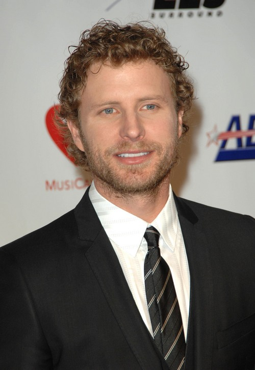 Dierks Bentley, dark suit