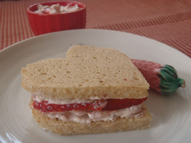 Berry Cream Cheese for Valentines Day1