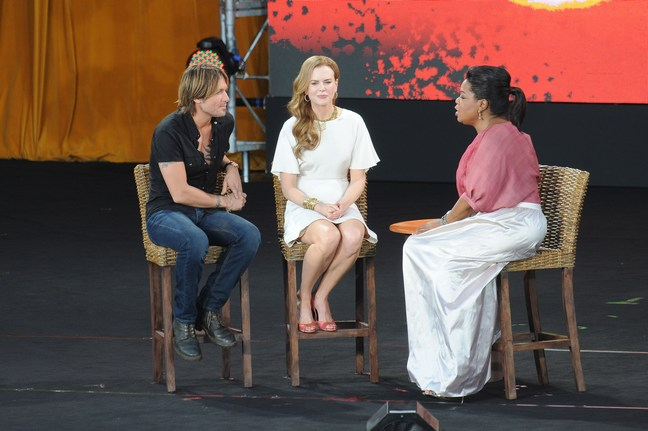 Nicole Kidman white dress, gold bracelets, oprah, keith urban