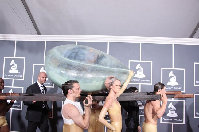 Lady Gaga, egg