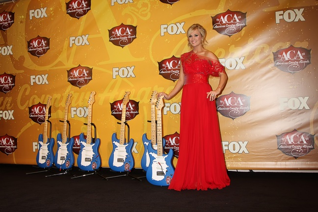 Carrie Underwood, red gown, red dress, updo,