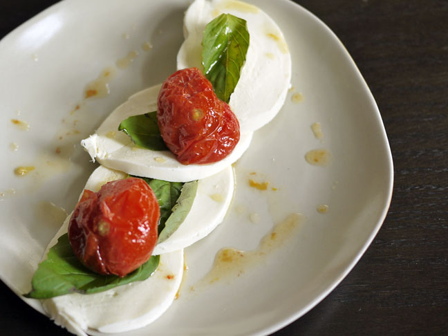 file_128402_0_roasted-tomato-caprese-salad