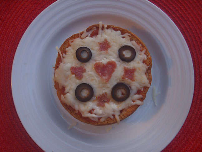 Kid's Quick Bagel Pizza