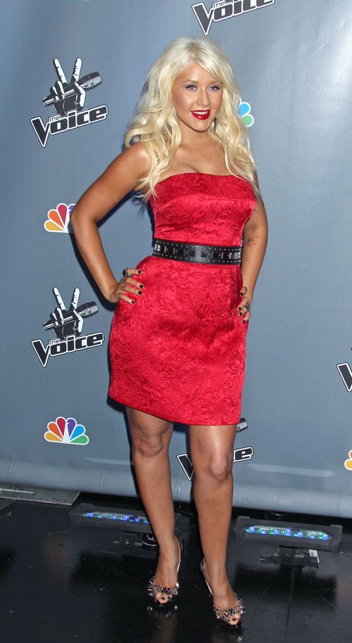 christina aguilera, red dress, red strapless dress, belt