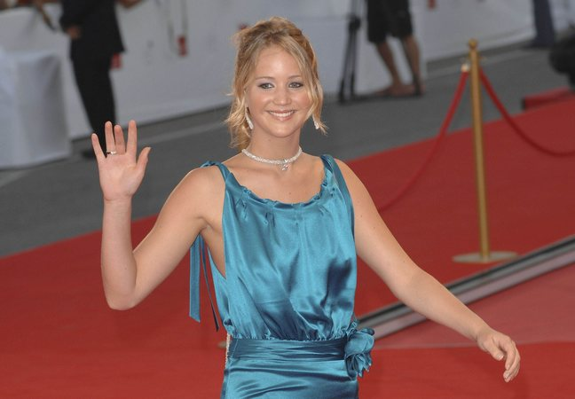 Jennifer Lawrence, blue dress, silk blue dress