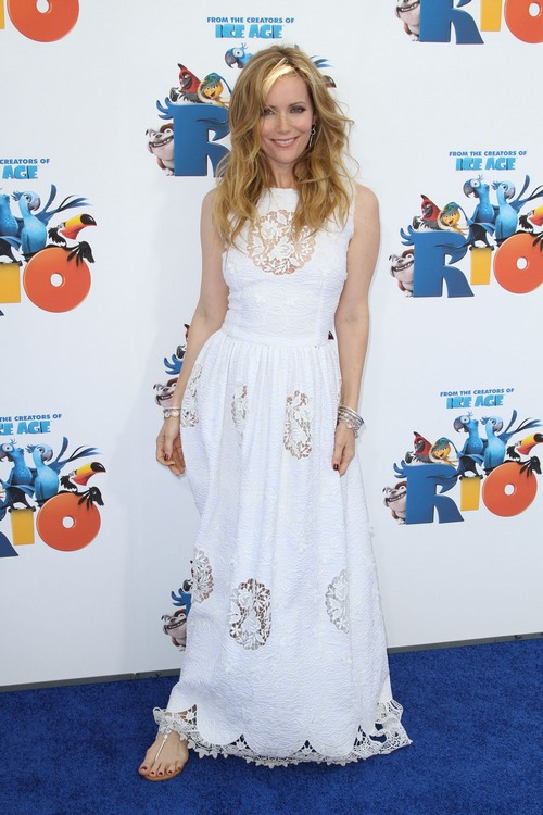 Leslie Mann, white dress, white dolce and gabbana dress, sandals, bangle bracelets