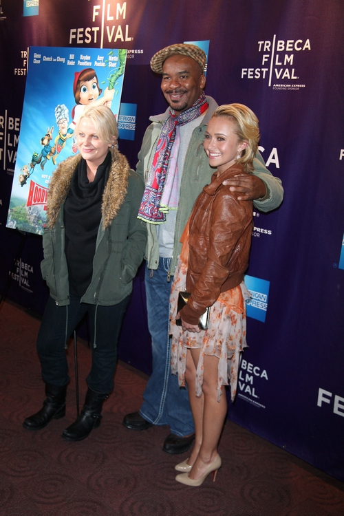 hayden panettiere, amy poehler green jacket, black boots