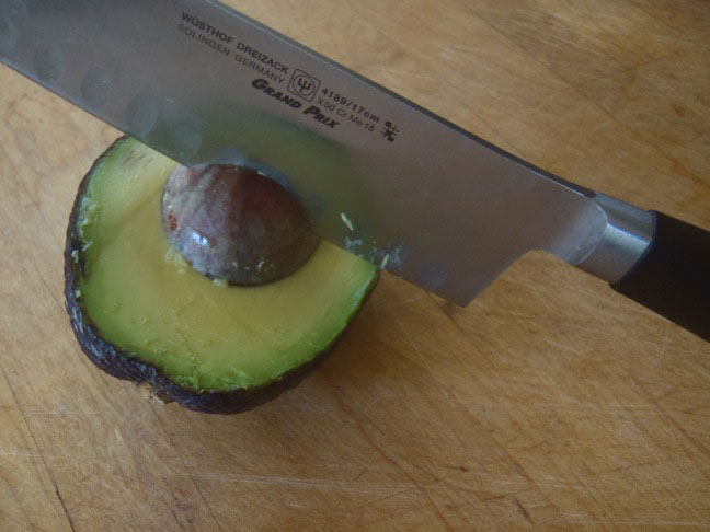 How to Cut an Avocado-2