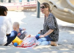Rebecca Gayheart And Billie Beatrice Have A Playdate In The Park