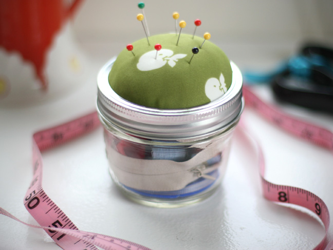mason-jar-sewing-kit-tutorial