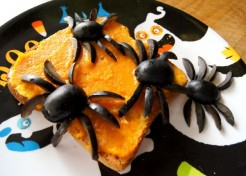 Halloween Snack: Apple Pumpkin Buttered Bread with Olive Spiders!