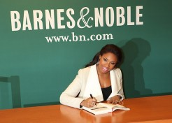 Jennifer Hudson Signs Copies Of Her New Book