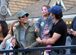 Photo Gallery: Celebrity Parents And Kids 1/17