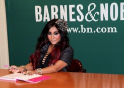 'Jersey Shore' Star Snooki Confirms She's Pregnant And Engaged
