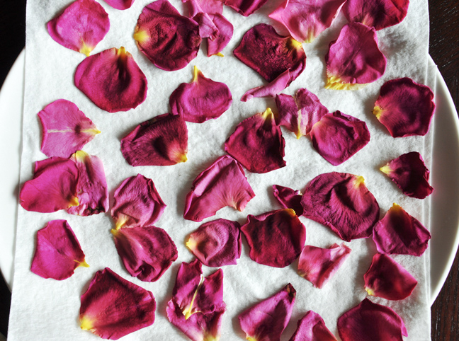 dry-rose-petals-tutorial-4