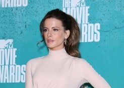 Kate Beckinsale Talks Aging And Losing Her Father