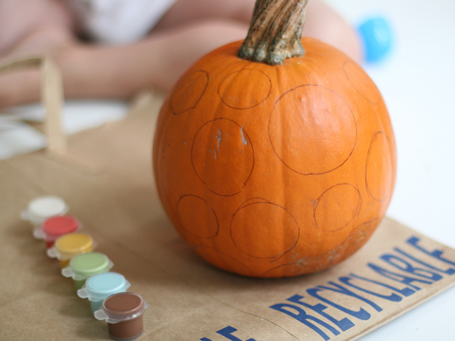 DIY Polka Dot Pumpkin Craft Step 3