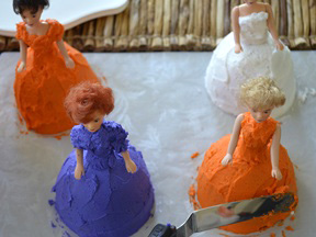 Good Witch Mini Cakes Recipe - Step 13