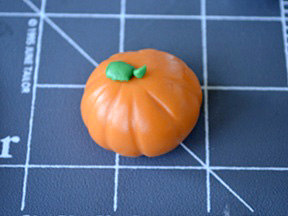 Cornicopia Pumpkin Cupcakes Recipe - Step 12