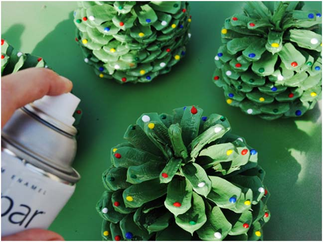 pinecone christmas trees diy craft - Pine Cone Christmas Tree Decorations