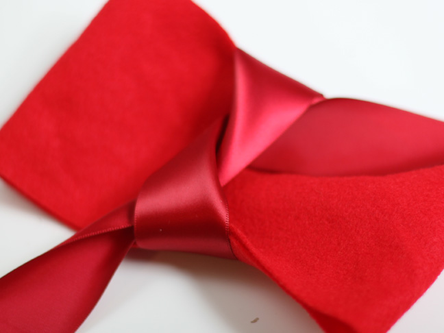 Christmas Red Felt Bow Craft - Step 7