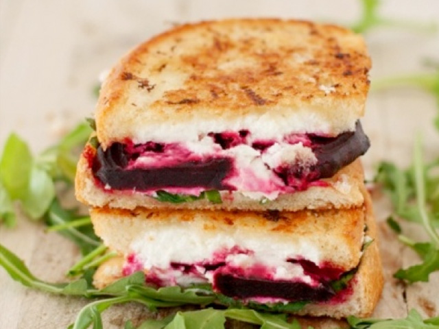 grilled-cheese-beets-arugula