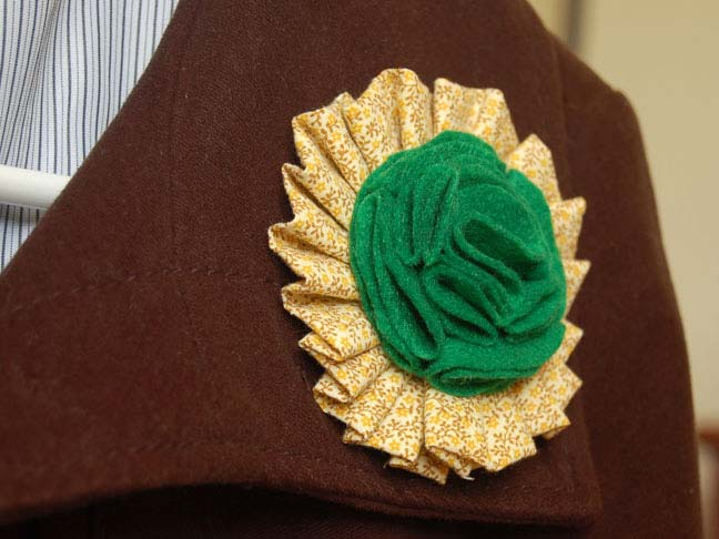 ST PATRICKS BROOCH DIY