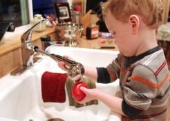 The 6 Best Ways To Keep Your Toddler Busy And Happy