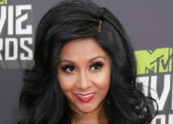 Snooki (Aka Nicole Polizzi) Gearing Up To Release A Pregnancy Book