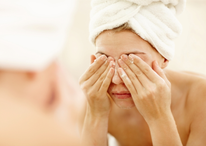 7 Ways to Make the Most of Your Nighttime Beauty Regimen