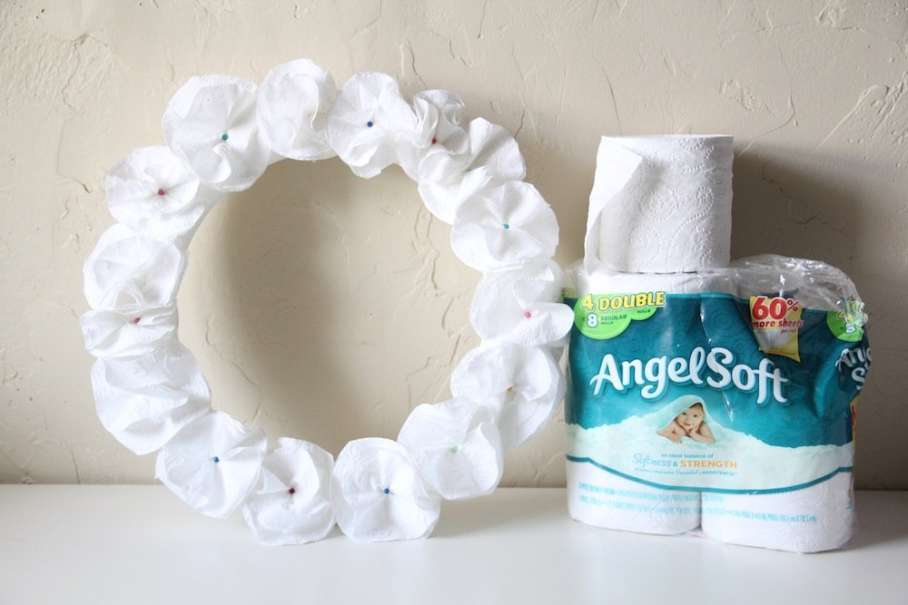 diy toilet tissue flower wreath craft