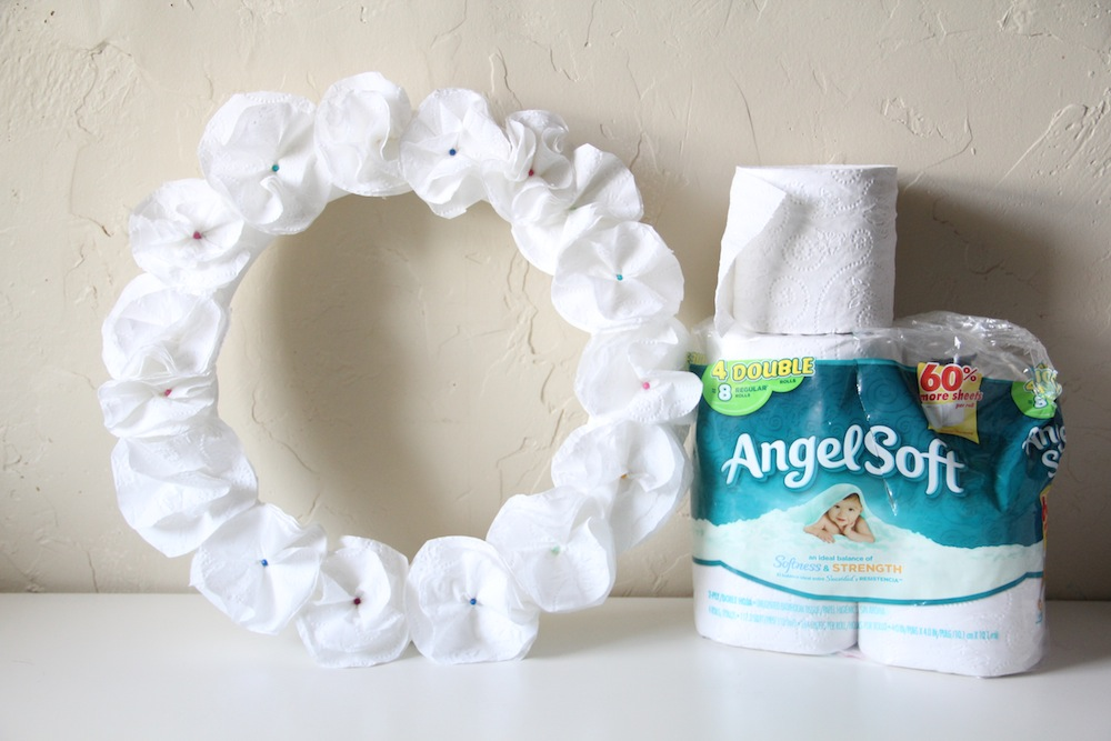 Toilet Tissue Wreath Craft - Step 7
