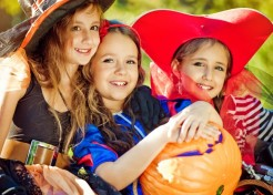 Your Step by Step Guide to Throwing a Fab Halloween Party