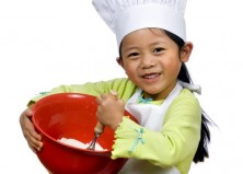 11 Easy Tasks Kids Can Do In the Kitchen