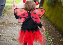 10 Smart Strategies for Keeping Your Kids Safe on Halloween