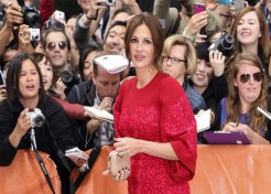 Julia Roberts Sounds Off On Social Media, Oscars And More