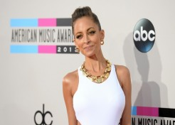 Photos: Red Carpet Fashion At The 2013 American Music Awards