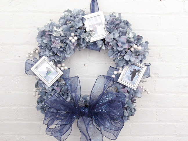 winter photo frame wreath