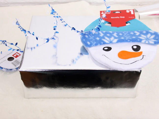 dollar_store_snowman_bag_gift_wrap_step_1