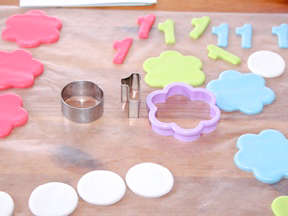 first_birthday_cupcake_topper_step_1