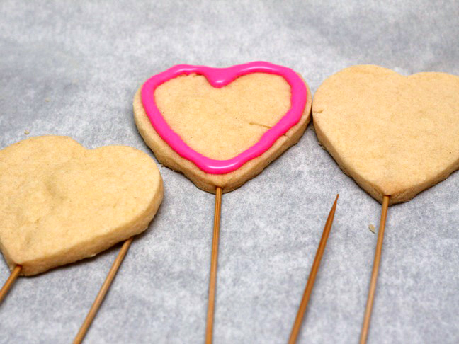 conversation-heart-cookie-bouquet-step-11