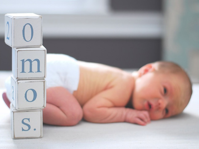 monthly-baby-photos-building-blocks